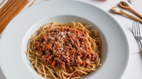 {E}06: Spaghetti Bolognaise