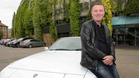 {E}05: Phil Tufnell