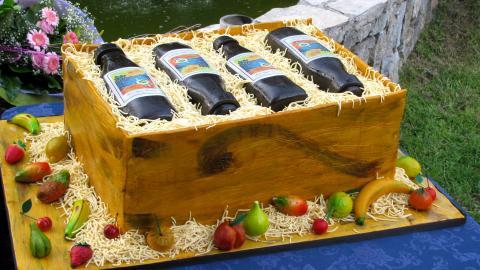{S}03.{E}24. Cassata, Cheesecakes & Crates Of Wine