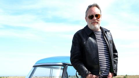 {E}03: Vic Reeves