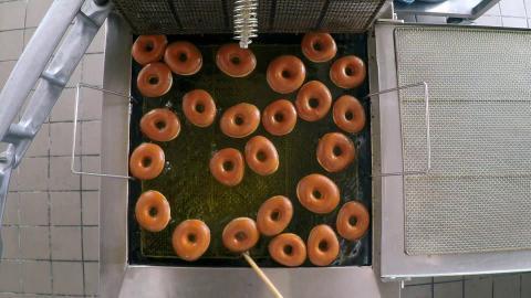 {E}05: Donuts And Magic