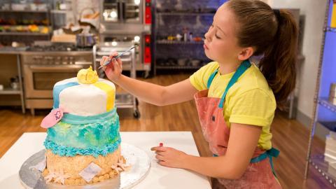 {S}02.{E}08. Spring Break Cakes