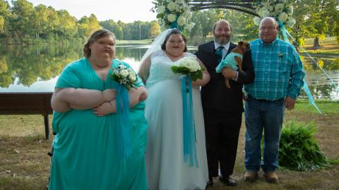 {E}05: Wedding And Weigh-ins