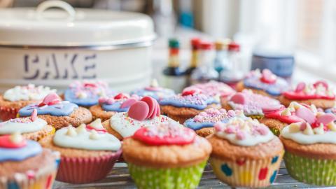 {E}01: Brownies, Cupcakes And Lemon Tarts