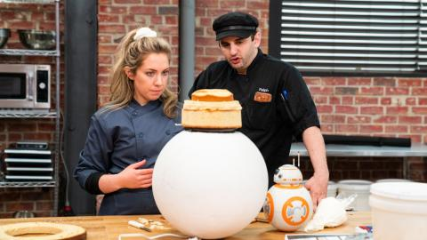 {S}02.{E}08. Star Wars Cake