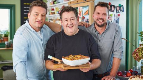 {S}05.{E}11. Johnny Vegas, Steak & Cannelloni