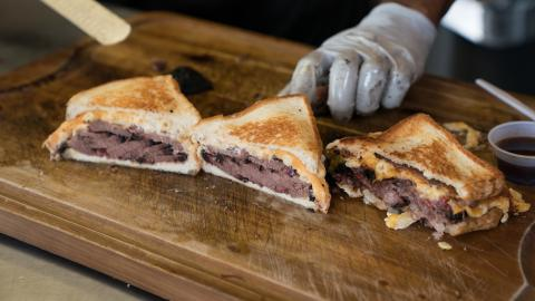 {E}05: Smokin' Sandwiches