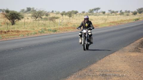 {S}12.{E}03. South Africa - Kuruman To Loerisfontein
