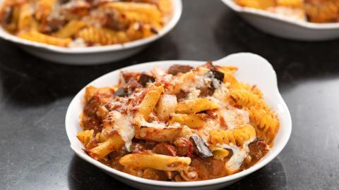 {S}17.{E}02. Cook Like A Pro: Italian