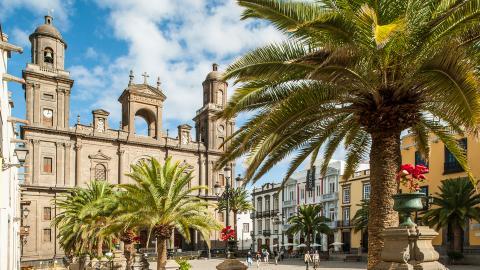 {S}02.{E}50. Winter Sun: Gran Canaria