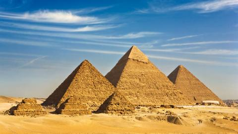 {S}01.{E}05. Did Aliens Build The Pyramids?