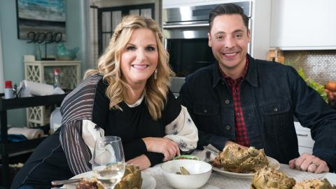 {S}11.{E}01. Jeff Mauro Visits Trisha's Kitchen