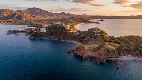 {S}02.{E}80. Winter Sun: Costa Rica